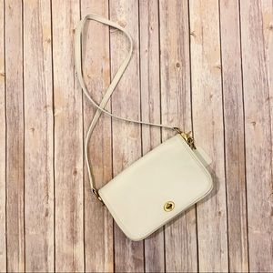 Vintage Coach Cream White Crossbody Leather Purse